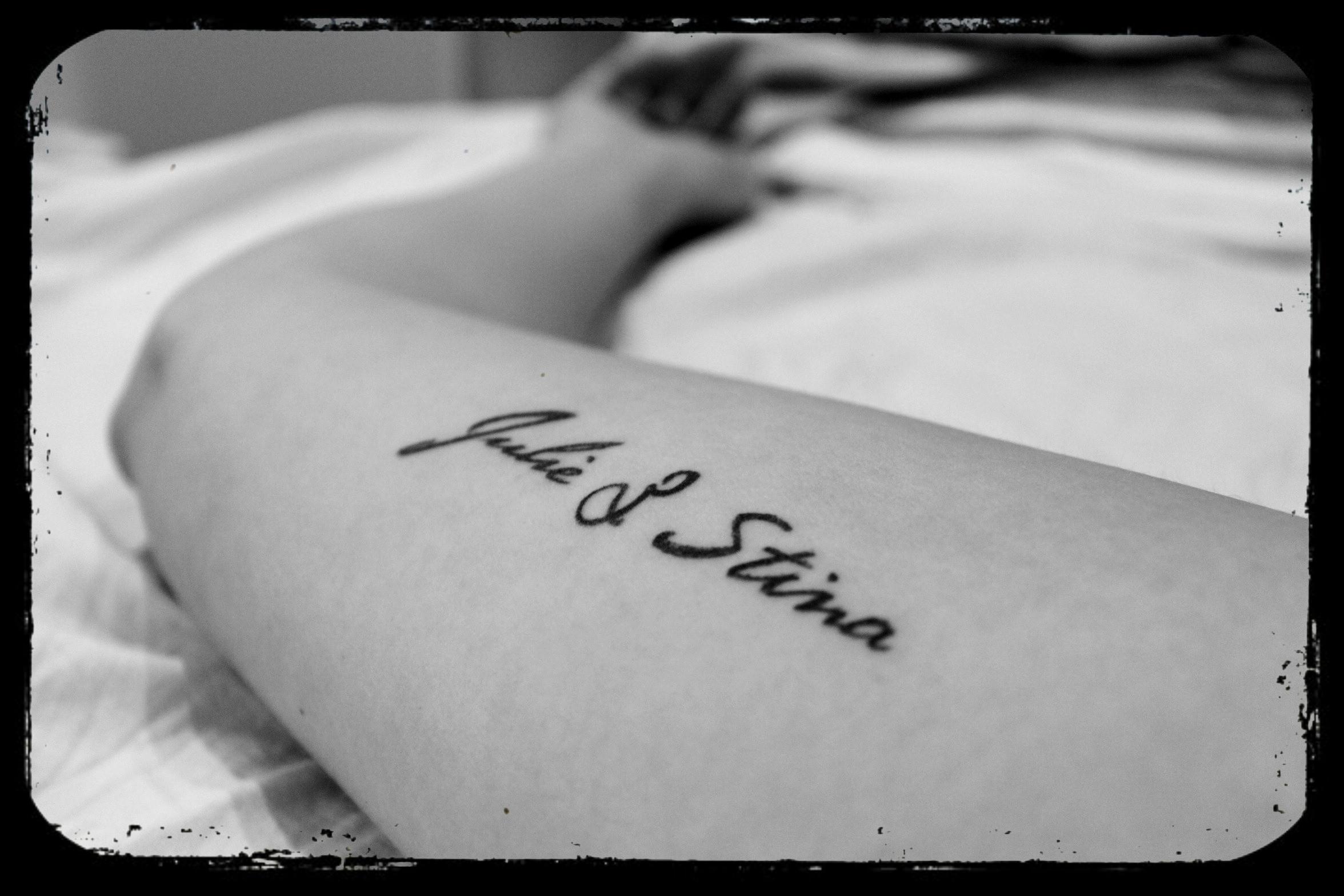 tattoo navn på arm